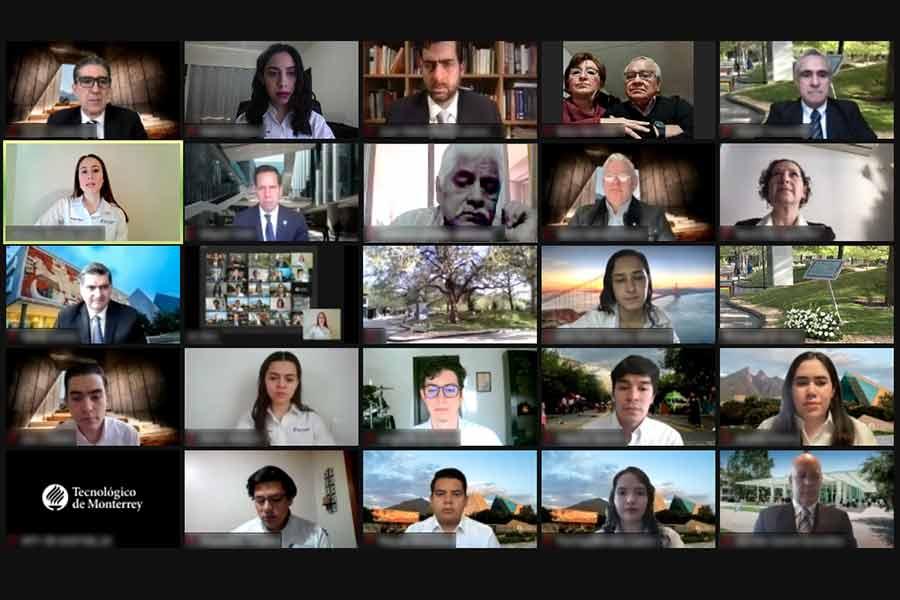 Alumnos en guardia de honor virtual